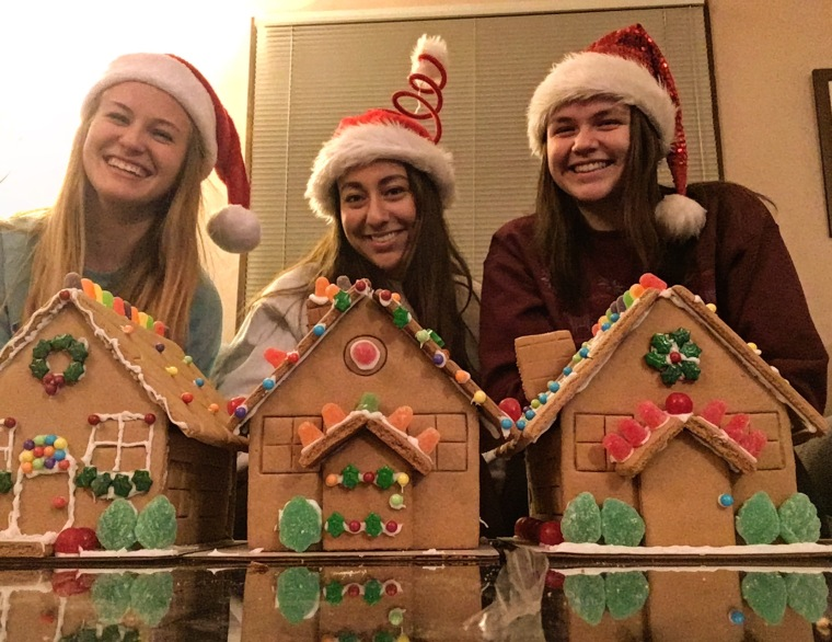 dec-22-gingerbread-house-fail-ish